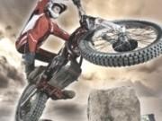 incercari de motociclete de offroad in sua