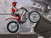 incercari de motociclete pe zapada cu viteza