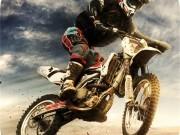 Jocuri cu motociclete 3d pe traseu industrial