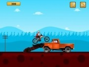 motociclist extrem pe masini stricate