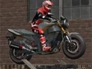 Jocuri cu provocari pe motocicleta zona parasita