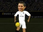 ronaldo face junglerii cu mingea